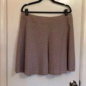 BCBG Size L Rose seersucker mini skirt
